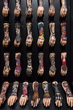 Image: The 100 Hands installation features original designs by 100 of the top tattoo artists working in the UK today. Bild Tattoos, Top Tattoos, Body Art Tattoos, Tattoo Drawings, Sleeve Tattoos, Tattoo Salon, Tatoo Art, Tattoo Artist Tips, Tattoo Artists