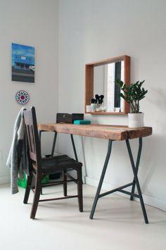 Tisch aus Baumstamm wand spiegel minimalistisch stil