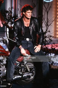 American actor and singer David Hasselhoff performs on Wetten, dass. tv show in Hof, Germany on March 4 K 2000, 80s Shows, The Originals Show, Mae West, Baywatch, American Actors, Leather Jacket, Jacket Men, Actors & Actresses
