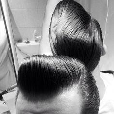 1940s Mens Hairstyles, Mens Hairstyles Pompadour, Slick Hairstyles, Classic Hairstyles, Men's Hairstyle, Medium Hairstyles, Wedding Hairstyles, Alex Turner, Will Turner
