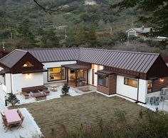 Two storied wooden house in Gwangyang City, South Jeolla Province, South Korea - Cool Houses Pictures And Dream Home Unique Designs, Big, Medium Size And Small House Design Ideas Bungalow House Design, House Of Beauty, Storey Homes, Mediterranean Homes, Wooden House, Home Fashion, Traditional House, Future House, Interior Architecture