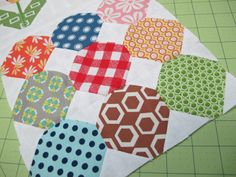 Bee In My Bonnet: The Quilty Fun Sew Along - Week 11 - Honeycombs!!! ...
