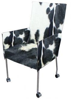 Koeienhuid stoel op pinterest koeienhuid meubelen westerse meubels en western huizen - Westerse fauteuil ...