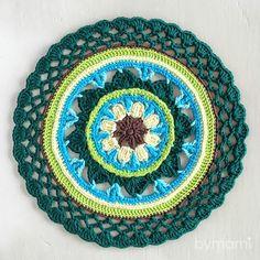 Follow Bymamis colourful journey through #52weeksofmandalas Mandala Rug, Crochet Mandala, Crochet Art, Sunflower Mandala, Decorative Plates, Rugs, Instagram Posts, Artist, Inspiration