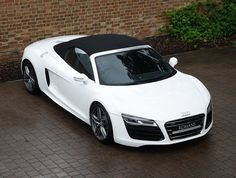 Romans are pleased to offer this Audi Spyder for sale presented in Ibis White with Black Diamond Quilted Nappa Leather. Carros Audi, Ferrari 612, Audi R8 V10 Plus, Street Racing Cars, Performance Engines, Audi Rs6, Used Audi, Sport Seats, Go M