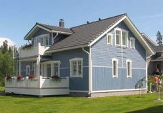 25 Vertical And Horizontal Mixed Siding Ideas House Exterior House Siding Siding