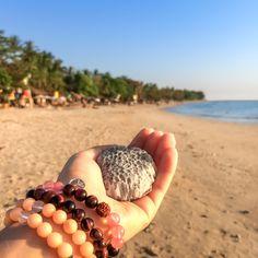 Náramky Beads of Love z minerálů jsou plné pozitivní energie a vibrací, léčí, dodávají sílu, energii a lásku. Bracelets, Jewelry, Jewlery, Jewerly, Schmuck, Jewels, Jewelery, Bracelet, Fine Jewelry