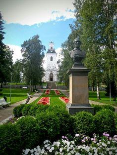 Kuopion Tuomiokirkko - Snellmanin Puisto - Kuopio City