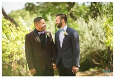 Looking for a safe place, the best lgbt wedding photographer austin? You found her! Creatrix Photography is the best austin photographer!