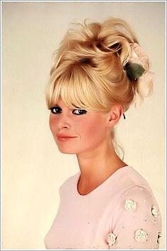 I want Bridget Bardot bangs. Vintage Hairstyles, Pretty Hairstyles, Wedding Hairstyles, Updo Hairstyle, Bangs Updo, Kid Hairstyles, Style Hairstyle, Natural Hairstyles, 1960s Hair