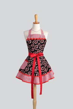 Ruffled Retro Apron / Cute Flirty Full Womens Christmas Apron in Swirling Red and White Candy Canes For the Christmas Holiday Season
