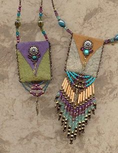 Suede bags - fine beadwork by Heidi Kummli. It says suede bags, but wool felt would work too. by Anastasia-Jean Parker Suede bags - fine beadwork by Heidi Kummli. It says suede bags, but wool felt would work too. by Anastasia-Jean Parker Jewelry Crafts, Jewelry Art, Beaded Jewelry, Handmade Jewelry, Beaded Purses, Beaded Bags, Textile Jewelry, Fabric Jewelry, Medicine Bag