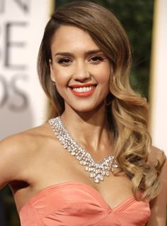 Jessica Alba Just Showed Us The EASIEST Makeup Look Ever — & She Did It Live!+#refinery29