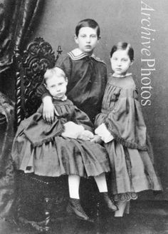 - Grand Duchess Vera Constantinovna of Russia (1854-1912), Grand Duke Nicholas Constantinovich of Russia (1850–1918), Grand Duches