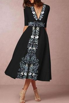 Deep V-Neck Printed Skater Dress – pretty maxi dresses,maxi dress prom,maxi dress summer,maxi dress outfit casual,printed maxi dress Elegant Midi Dresses, Casual Dresses, Fashion Dresses, Summer Dresses, Maxi Dresses, Floral Dresses, Cheap Dresses, Outfit Formal, Party Dresses
