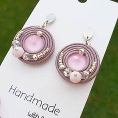 Soutache Earrings, Diy Earrings, Earrings Handmade, Handmade Jewelry, Pearl Earrings, Shibori, Rope Necklace, Silk Thread, Bead Crafts