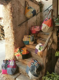 99472220 Roberta Roller Rabbit: Beach Bags - Learn More About Roller Rabbit and Crazy Daisy (A Shop in New Delhi, India) that Carri… Button Ornaments, Roberta Roller Rabbit, Knit Art, Denim Crafts, Boho Bags, Linen Bag, Patchwork Bags, Cute Packaging, Fabric Bags