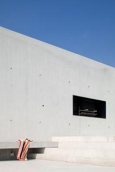 Tim Van de Velde Photography concrete poolhouse