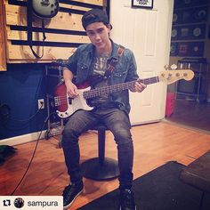 "・・・ Bass today with and You might also know of him as the voice of ""Finn"" on ""Adventure Time"" Jeremy Shada, Lance Mcclain, Voltron Klance, Razzle Dazzle, Best Series, Voice Actor, People Photography, Androgynous, Hetalia"
