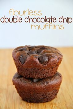 Flourless Double Chocolate Chip Muffins (Tastes great without the honey too. Bake as 6 muffins for 20 min)