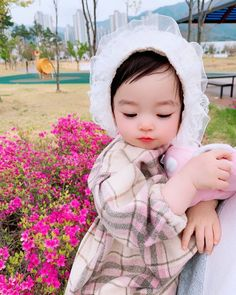 Cute Asian Babies, Korean Babies, Pretty Kids, Cute Kids, Cute Little Baby, Little Babies, Beautiful Children, Beautiful Babies, Ulzzang Kids