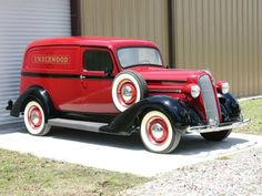 Old School Garage reborn! Jeep Pickup, Pickup Trucks, Station Wagon, Classic Trucks, Classic Cars, Plymouth Cars, Panel Truck, Commercial Vehicle, Vintage Trucks