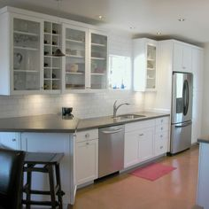 Nice white&gray kitchen