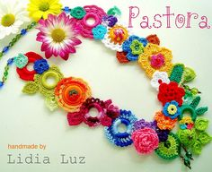 Pastora, colar de crochê by Lidia Luz, via Flickr