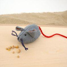 Gluckskafer felt mouse - grey by Gluckskafer - Cottontails