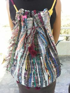 Diy Handbag, Diy Purse, Hot Glue Art, Crochet Cord, Straw Handbags, Handmade Purses, Boho Bags, Boho Diy, T Shirt Yarn