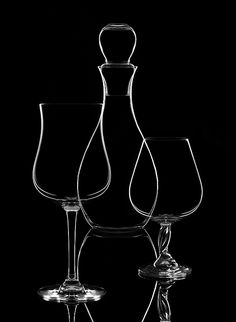Low Key Photography, Glass Photography, Shadow Photography, Still Life Photography, Creative Photography, Product Photography, Hyperrealism Paintings, Jolie Photo, Photography And Videography