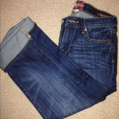 Lucky brand capris Brand new never worn lucky brand capris never been washed. Tried them on & was to big on me. Super cute! Lucky Brand Jeans Ankle & Cropped