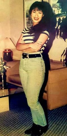 Selena Quintanilla Perez, Suzette Quintanilla, Teen Fashion Outfits, 80s Fashion, Selena And Chris, Selena Pictures, 90s Inspired Outfits, Doja Cat, Queen