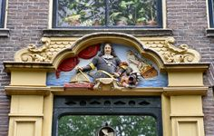 VVAG .. Deurstuk Admiraal Tromp, Oudezijds Voorburgwal 136 Amsterdam