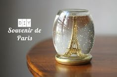 Yes, i know the tutorial is in french but guess what? The key to these cute homemade snow globe is using baby oil instead of water. Your object is less likely to lose any coloring due to degradation by water and your pretty glitter will take more time to slowly float down and settle because it's now lighter than the liquid its floating through. Genius!
