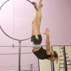 New pose worked out on the #lollipoplyra with @whirledman #practicemakesperfect