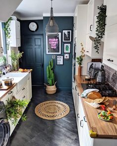 Find Tons of Decor Inspiration in This Quirky and Colorful UK Home - This bold . Find Tons of Decor Inspiration in This Quirky and Colorful UK Home - This bold and bright home features interesting wall paint colors (from navy blue to pink) and wallp - Kitchen Design Small, Interior, Bright Homes, Eclectic Home, Kitchen Decor, Decor Inspiration, Home Decor, House Interior, House Colors