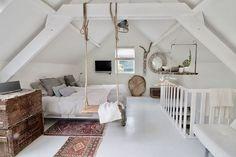 Gorgeous 40 cozy attic loft bedroom design & decor ideas https attic attic bedroom layouts decorating attic bedrooms Attic Bedroom Designs, Attic Bedrooms, Attic Design, Bedroom Layouts, Interior Design, Design Bedroom, Loft Design, Small Bedrooms, Interior Modern