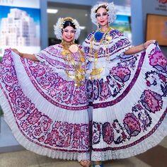 De Panamá para el mundo!!!  sin duda uno de los trajes típicos más bonitos del mundo!!! LA POLLERA  #fotografia #pollera #panama #tipico #like #puentedelmundocorazondeluniverso