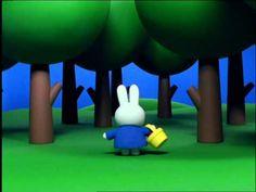 #Nijntje - 15 - Nijntje verdwaalt in het bos   Complete afspeellijst (https://www.youtube.com/watch?v=5U7W0rCQul8&list=PL8voPwQBaEpoR4oY7_Ro_3ri_-c9raKpS)