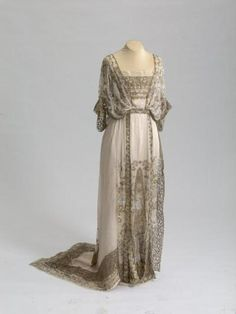 Callot Soeurs evening dress, 1911-13 From the State Hermitage Museum {{♡ icycouture00 ♡}}