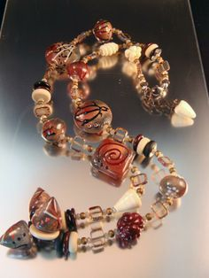 Gorgeous necklace by Patricia Larsen, LavaLampwork