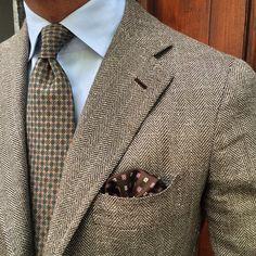 "@vincent_frederiks wearing a Viola Milano ""Sand Floral"" silk tie & ""Sand Pattern"" pocket square... Buy them online now at www.violamilano.com  #vm #violamilano #handmade #madeinitaly #luxury #essential #timeless #laverasartorianapoletana #orazioluciano"