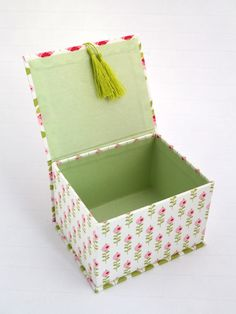Paper Crafts For Kids, Hobbies And Crafts, Fun Crafts, Box Packaging Templates, Wood Laser Ideas, Cardboard Box Diy, Fabric Covered Boxes, Basic Embroidery Stitches, How To Make Box