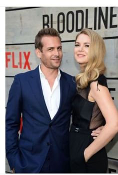 """Gabriel Macht Photos Photos - Actor Gabriel Macht and actress Jacinda Barrett attend the Premiere of Netflix's """"Bloodline"""" at Westwood Village Theatre on May 2016 in Westwood, California. - Premiere of Netflix's 'Bloodline' - Arrivals Jacinda Barrett, Suits Tv Series, Westwood Village, Suits Usa, Gabriel Macht, T Tv, Harvey Specter, Fashion Couple, Tv Shows"""