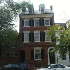 Perfect 4th of July home. Built and originally owned by Dr. Craik. Personal physician to George Washington.