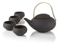 Pebble Teapot Set, also known as the tea set for Druids.