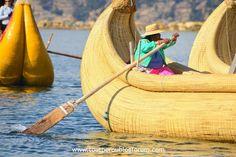 Caballito de totora sur le lac Titicaca Lac Titicaca, Landscape