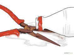Utilisez du vinaigre blanc. Le vinaigre provoque une réaction qui dissout la rouille et la détache du métal. Laissez tremper le métal dans du vinaigre blanc pendant quelques heures et frottez ensuite pour retirer la pâte rouillée. Si l'objet est trop gros pour être plongé dans le vinaigre blanc, versez-en sur l'objet et laissez poser. Vous pouvez également frotter l'objet avec un chiffon imbibé de vinaigre. Essayez de tremper de l'aluminium domestique froissé dans du vinaigre et de…