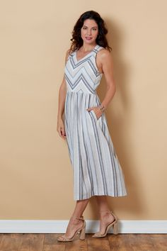 Introducing Lisette for Butterick summer sundress with an interesting criss-crossed back detail. Princess Seam, How To Introduce Yourself, Gingham, Looks Great, Things To Think About, Summer Dresses, Art Projects, Swimwear, How To Wear